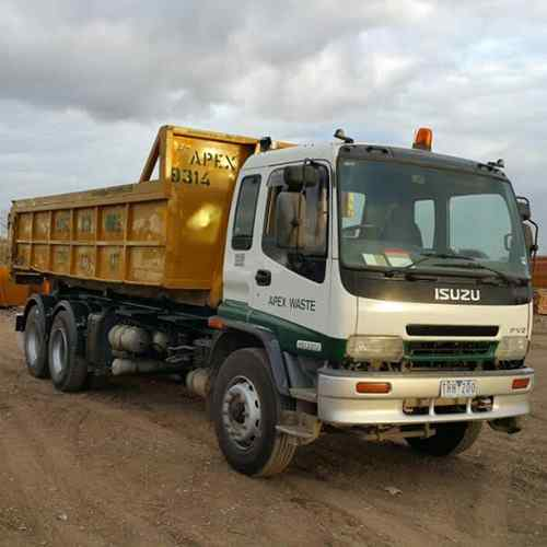 Skip Bin Truck in Patterson Lakes
